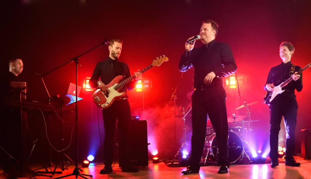 Blue-Eclectic-Live-Wedding-Band-Live