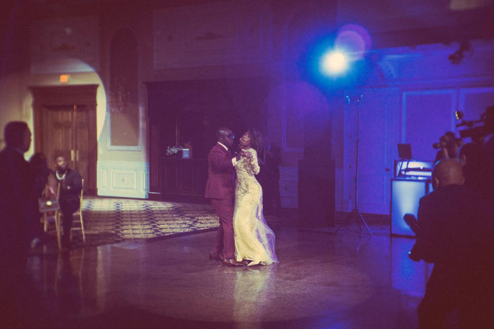 Bride-And-Groom-Focal-Point-Stage